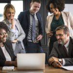 コンサルタントの役職・ランクを徹底解説|役職別の仕事内容や年収など